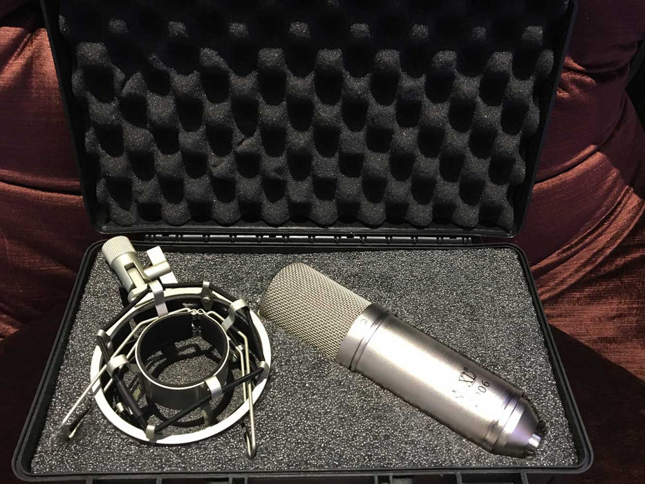 MXL 990 Condenser Microphone with Shockmount(Pre-Owned)