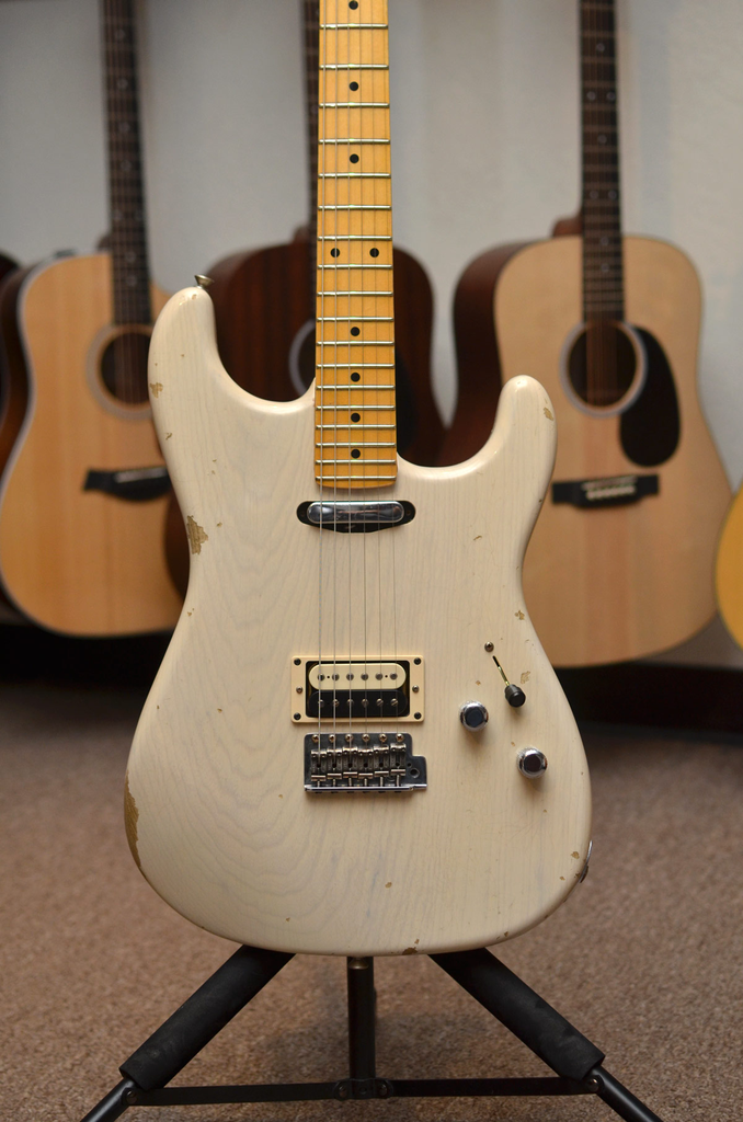 Fender Custom Shop Limited Edition Relic H/S Stratocaster - Aged White Blonde - Bananas at Large - 1
