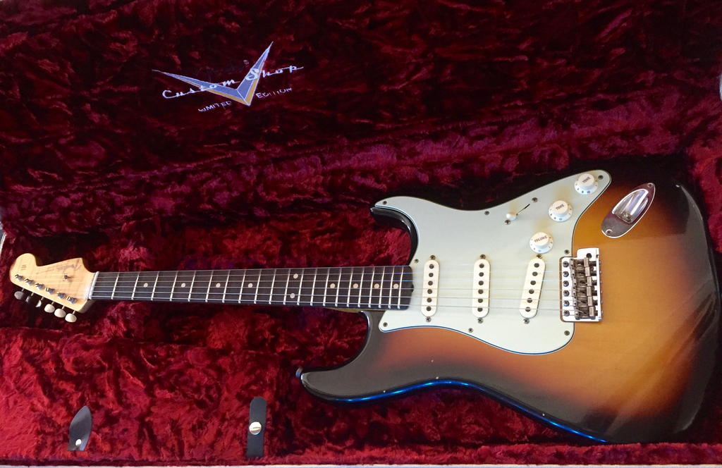 Fender Custom Shop Limited Edition 59 Special Stratocaster Journeyman Relic - Faded 3 Color Sunburst #007 - Bananas at Large - 3