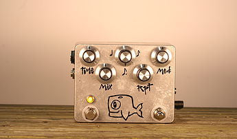 Hungry Robot Moby Dick Vintage Inspired Tap Tempo Delay - Bananas at Large - 1