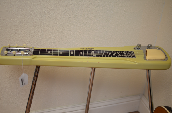 Fender White 50s Lap Steel with Case (Pre-Owned)