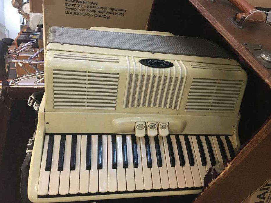 Scandali Vintage Accordion (Pre-Owned)