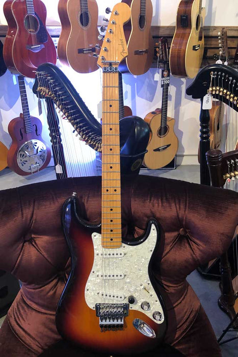 Fender American Deluxe Stratocaster 2001 Electric Guitar with Bag (Pre-Owned)