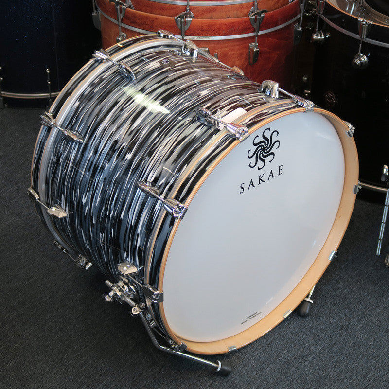 Sakae TRK2216 Trilogy Contemporary 22x16 Kick Drum - Black Oyster Pearl - Bananas at Large - 2
