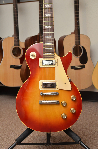 Gibson Les Paul Deluxe Plaintop Dual Jack, Cherry SB w/ Case (Pre-Owned) - Bananas at Large - 1
