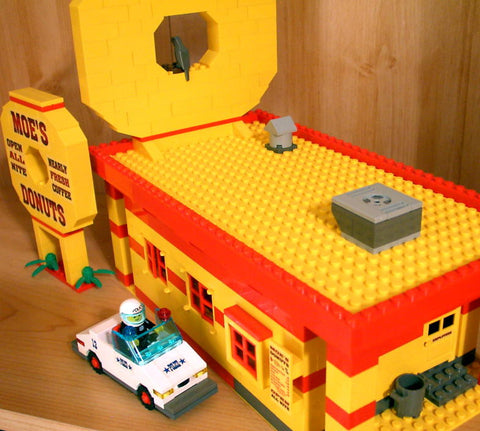 Museum: Dan's Custom Moe's Donut Shop (for your LEGO town)