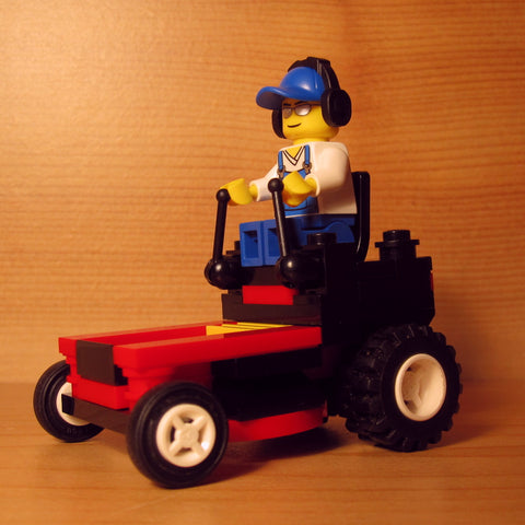 Dan's Custom Zero Turn Mower Red (for your LEGO town)