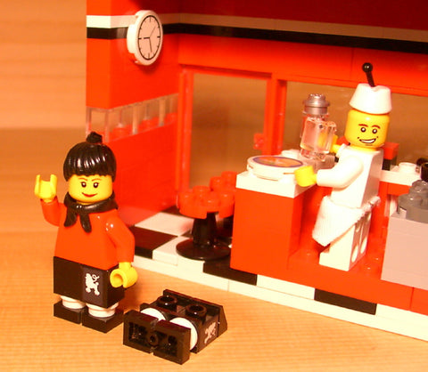 Dan's Custom 50's Diner Restaurant (for your LEGO town)