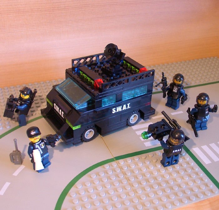 Museum: Dan's Custom S.W.A.T. Armored Vehicle & Assault Team (for your LEGO town)