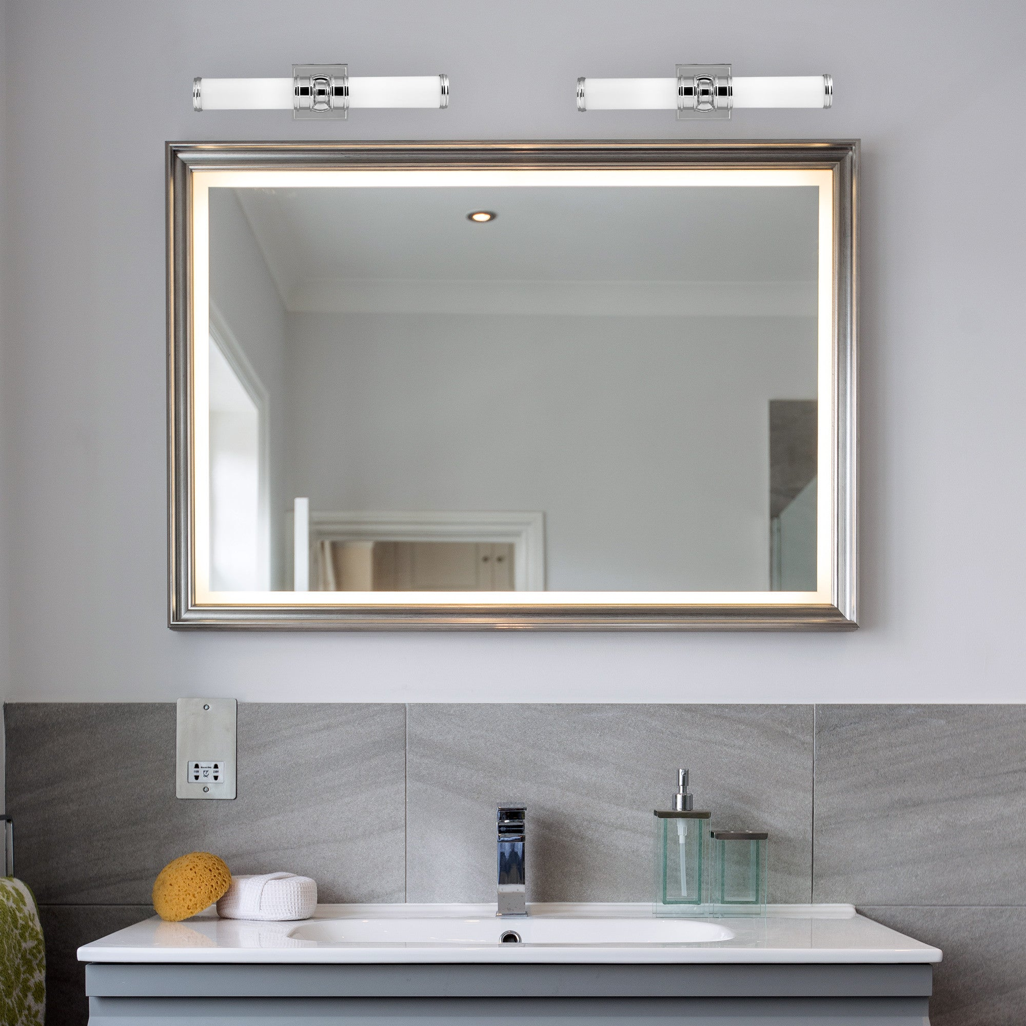 Traditional Bathroom Light | Lighting Collective