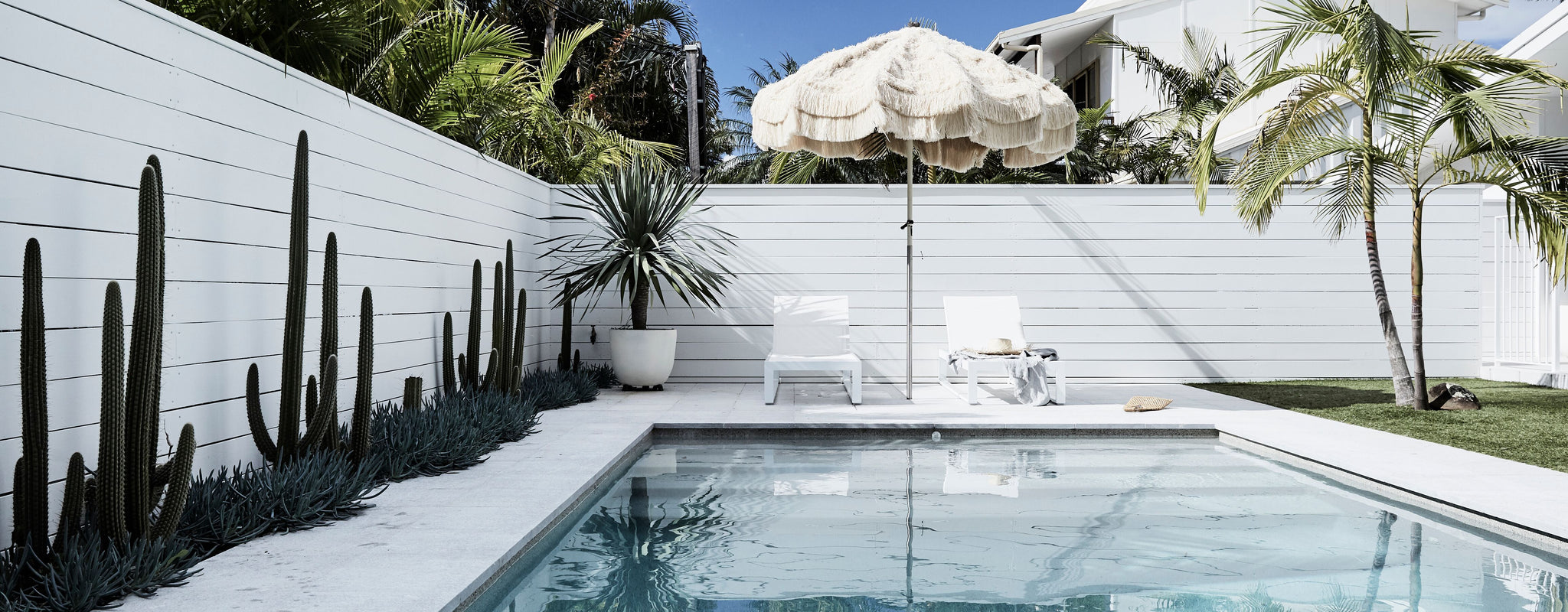 summer Byron Bay holiday accommodation relax insiders guide pool relaxation
