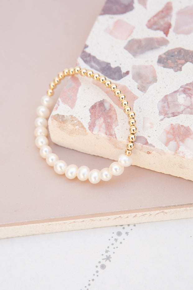 Paradigm 50/50 Stretch Pearl Bracelet