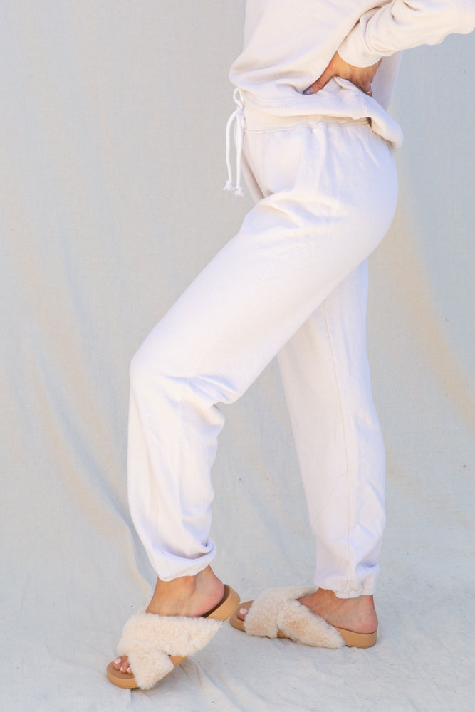 Perfect White Tee Freddie Joggers in Sugar
