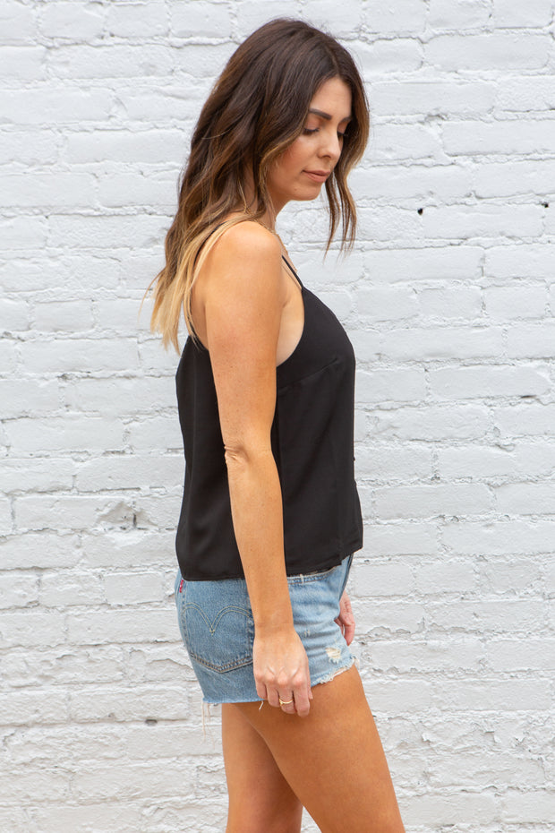 BB Dakota Meet and Greet Tank in Black