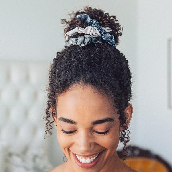 Kitsch Metallic Scrunchies in Black + Gray