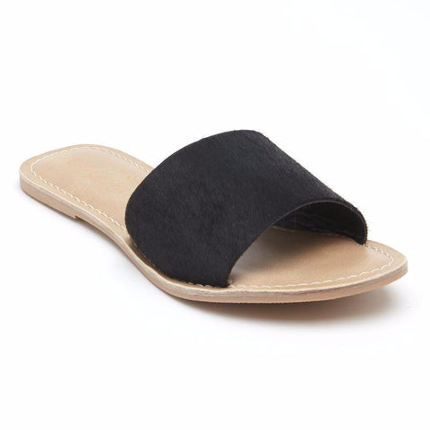 Matisse Cabana Sandal in Black Cowhair