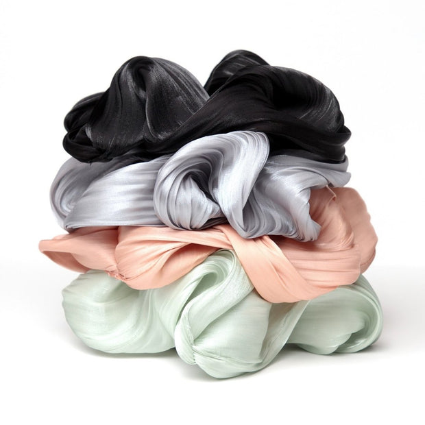 Kitsch Textured Dinner Scrunchie in Black