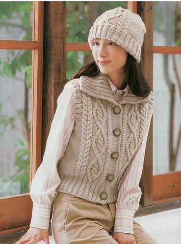 Womens Hand Knit Wool Vest 45N