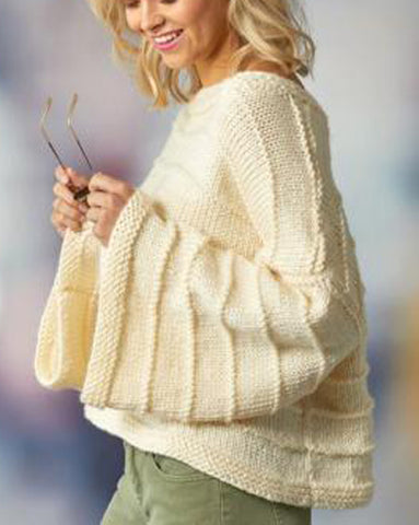 Women's Hand Knitted Scoop Neck Sweater 1L