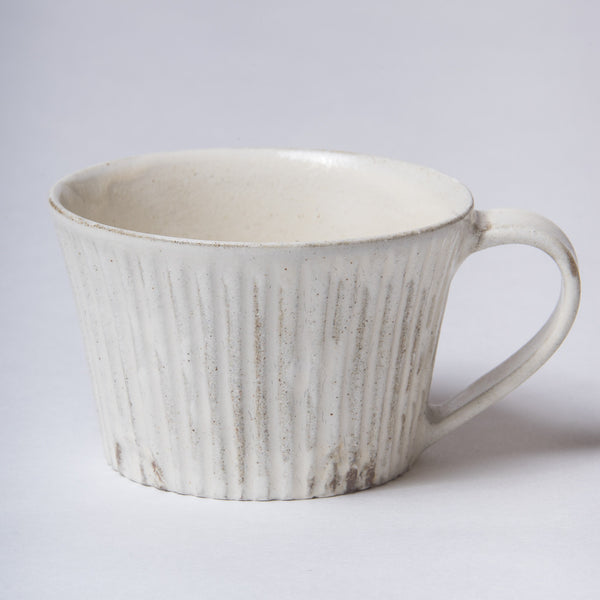 Takashi Sato, Mug in off-white glaze