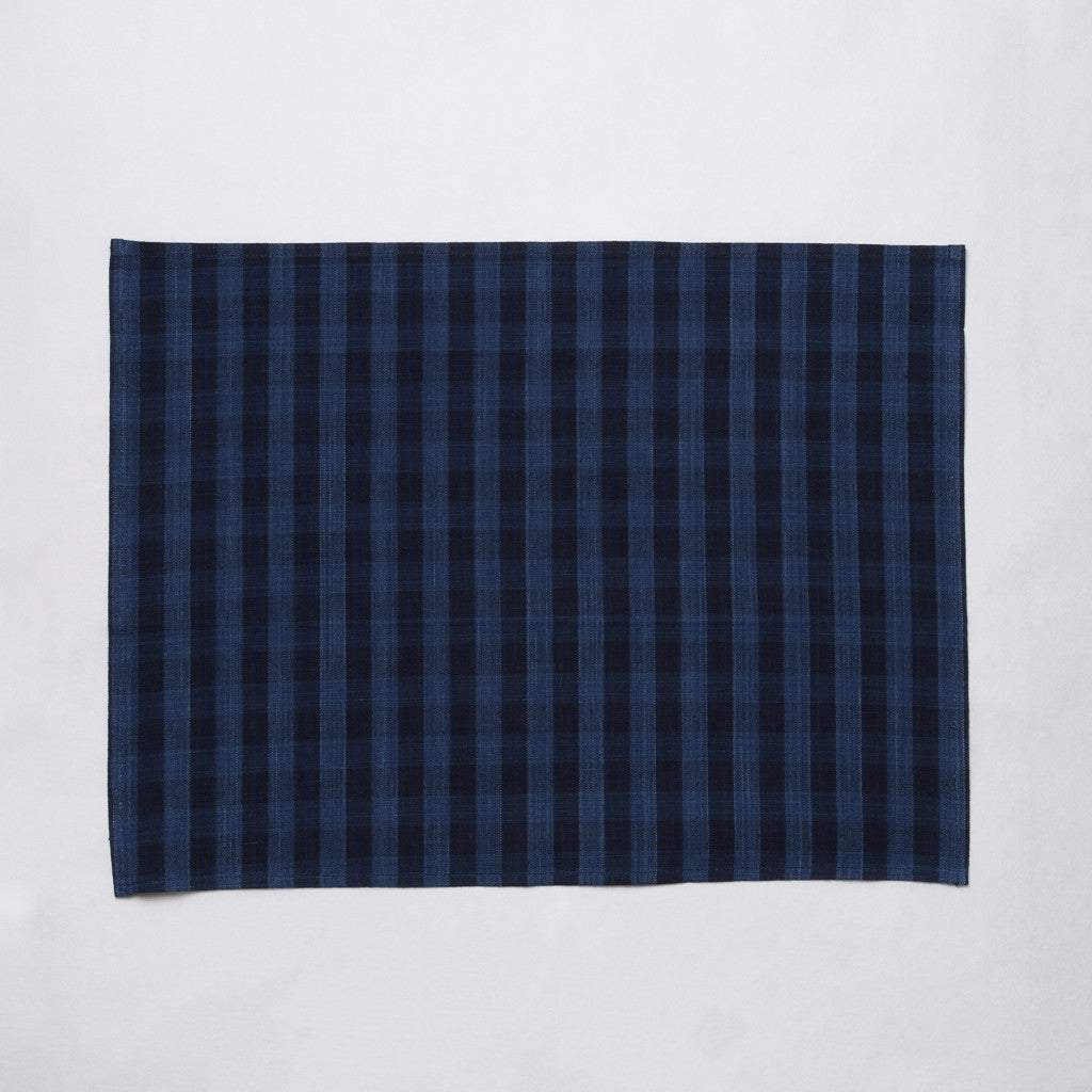 Marukawa Shoten Cotton placemat in dark blue indigo plaid - Matsusaka Momen