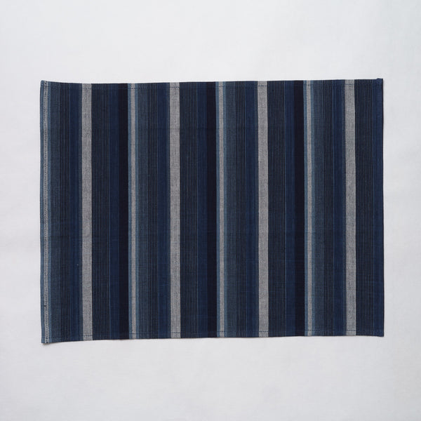 Marukawa Shoten Cotton placemat in blue indigo vertical stripe - Matsusaka Momen