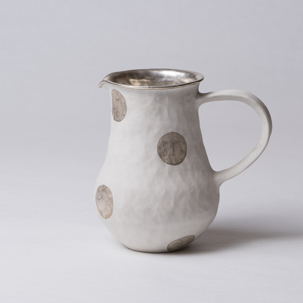 Yoshimitsu Nakasono, Pitcher in white with silver polka dots