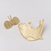 Mariko Kitano, Pin badge in brass featuring Hanako the Relaxed Cat