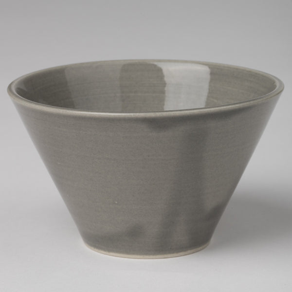 Small bowl in gray glaze