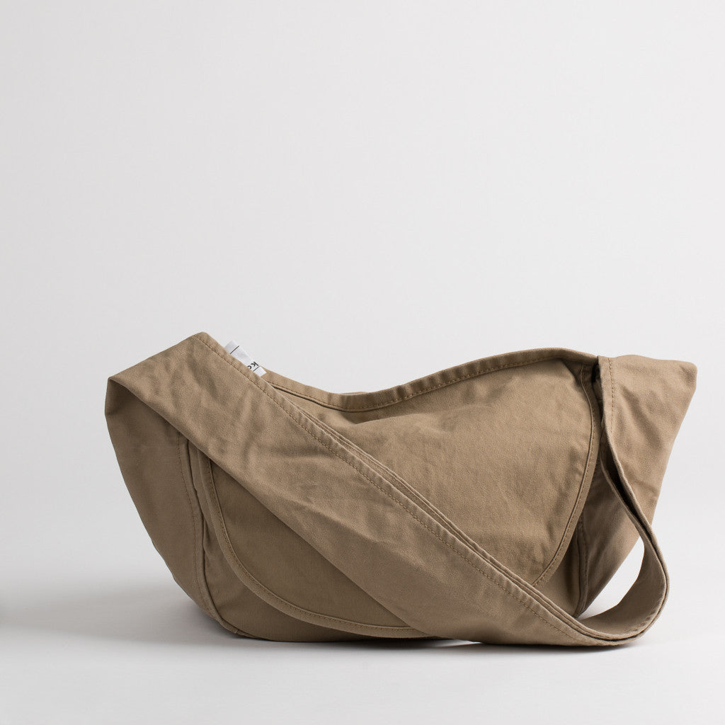 Cotton messenger bag in light brown, front