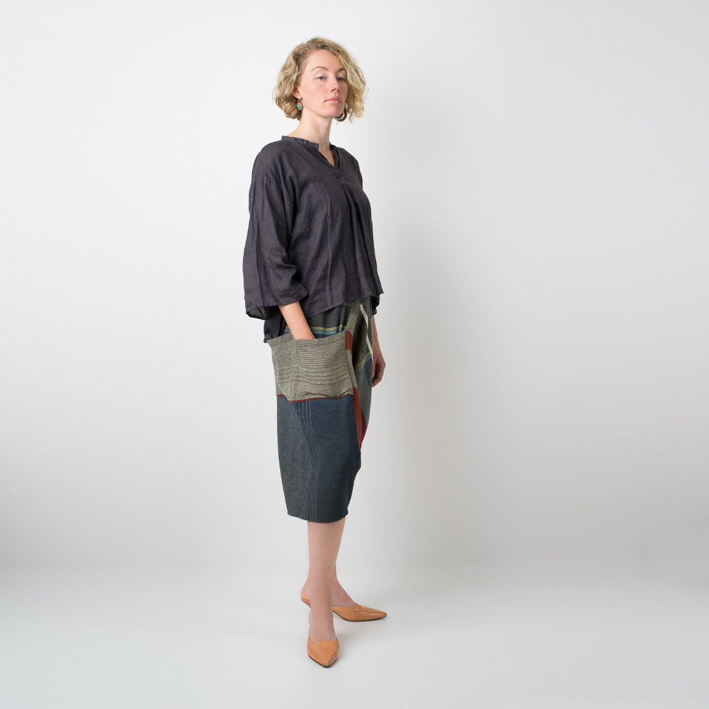 """Only One"" Tarun pants (divided skirt) short in wool & cotton - red & blue"