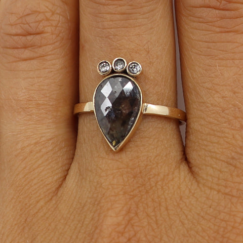 Grey Diamond slice with baby white diamond crown