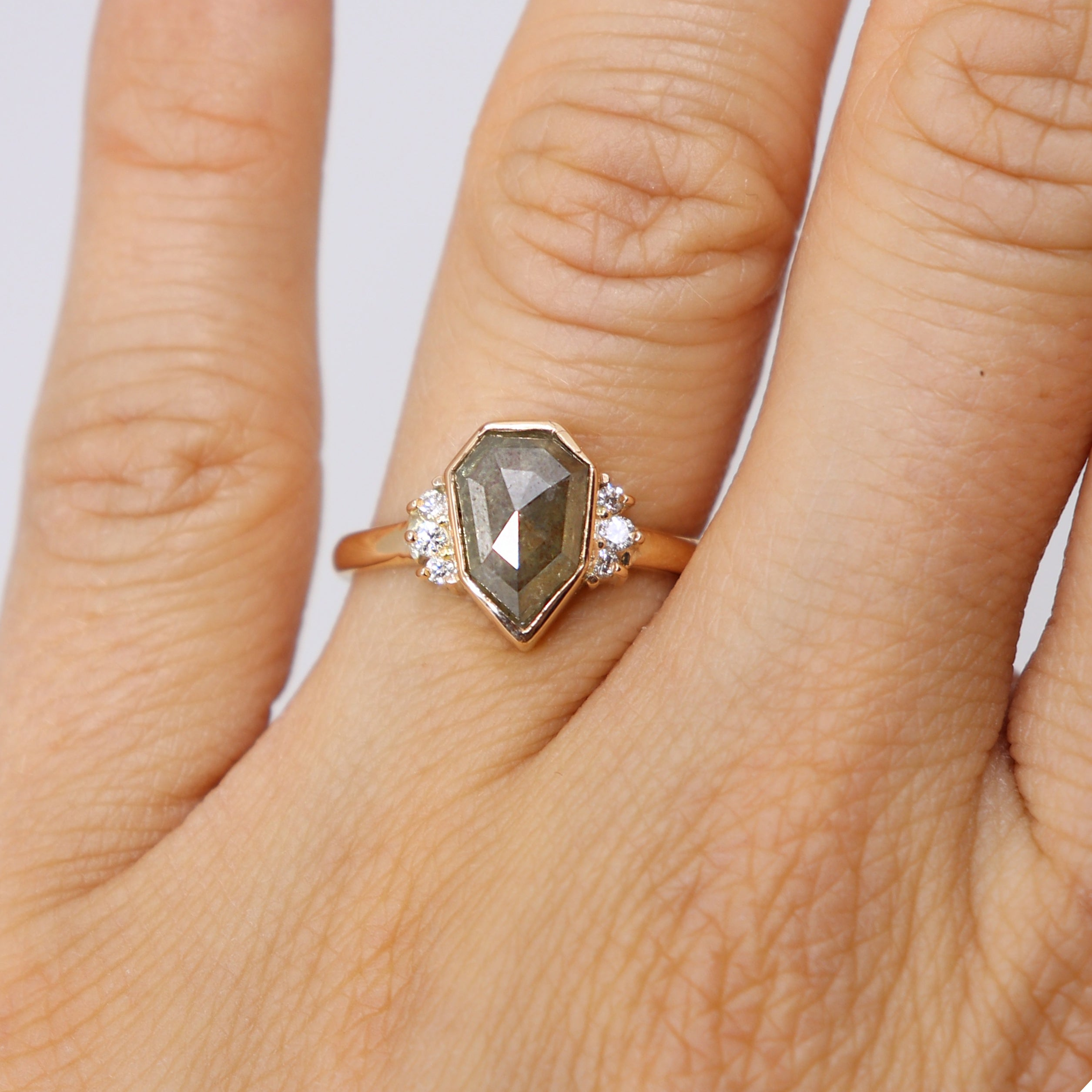 Celestial Ring - Heptagon grey diamond