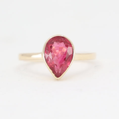Light Raspberry Tourmaline 9k yellow gold