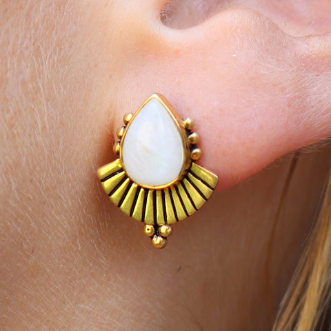 Cleopatra earring Moonstone Gold