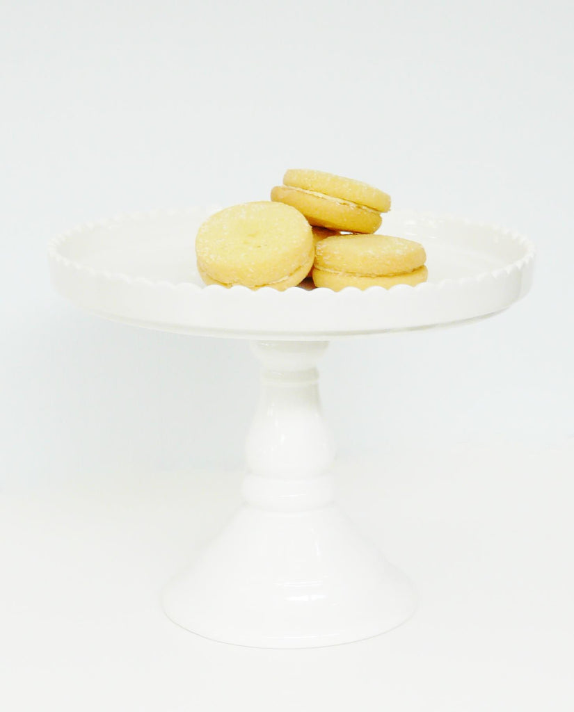 White Scalloped Edge Cake Stand