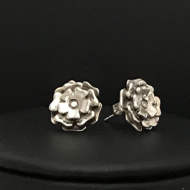 Vintage Flower Blossom Post Earrings