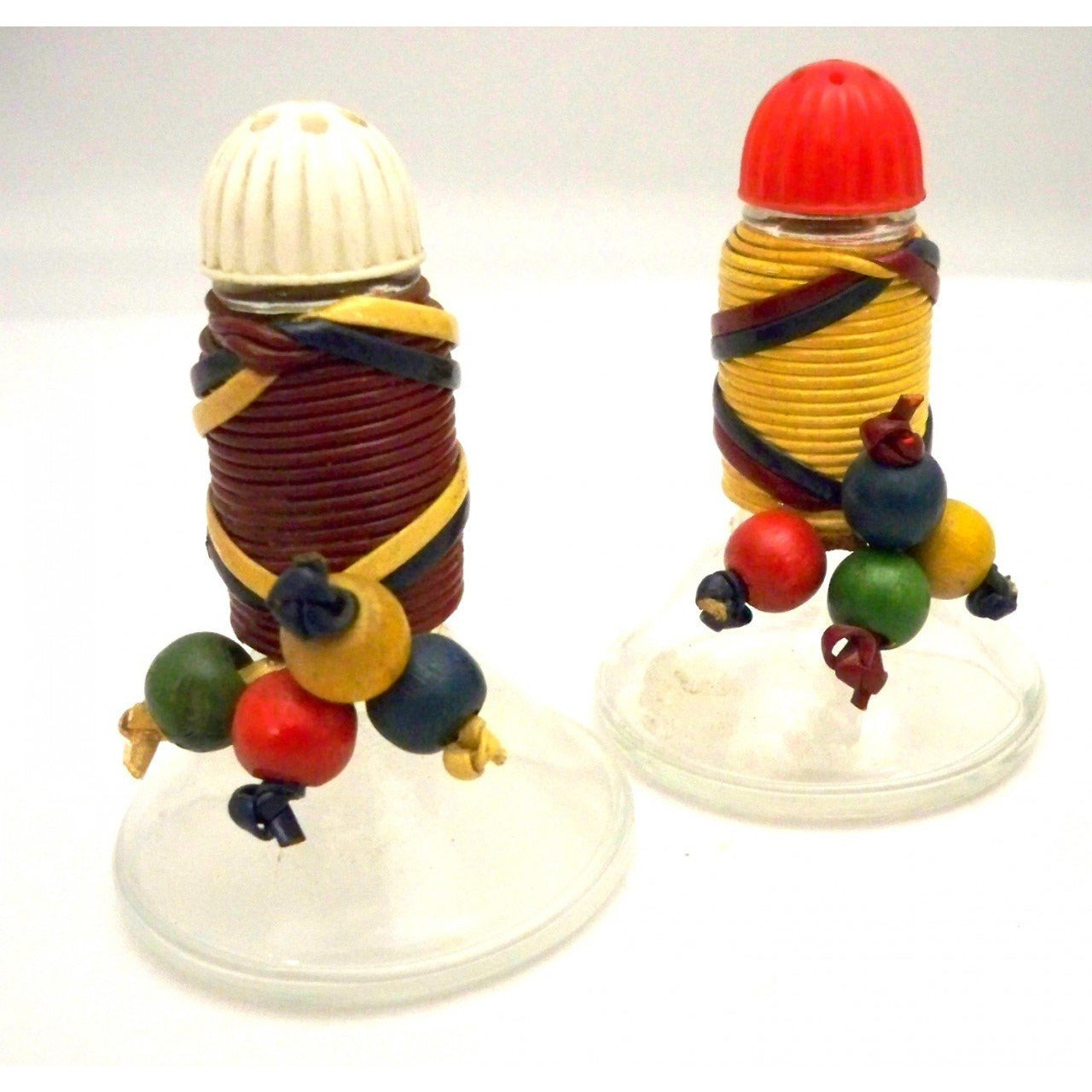 Vintage Salt & Pepper Shakers Bakelite Colors 1940s - The Best Vintage Clothing  - 1