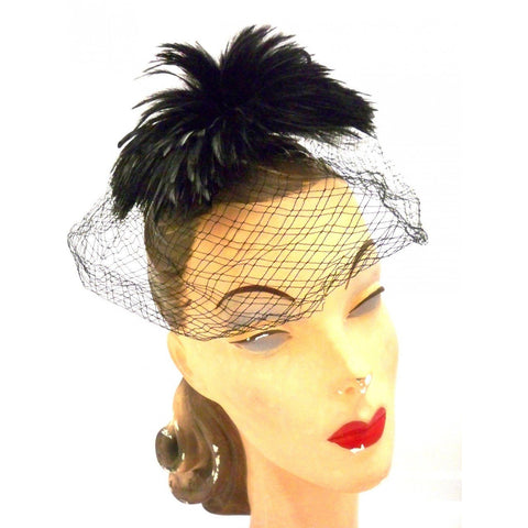 Vintage Ladies Cocktail Hat w/ Standup Feather Center and Veil 1950s