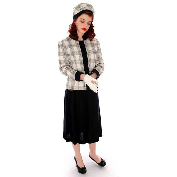 Vintage Linen/Silk Suit Boxy Jacket A Line Skirt 1960s Matching Hat 38-24-37 - The Best Vintage Clothing  - 1