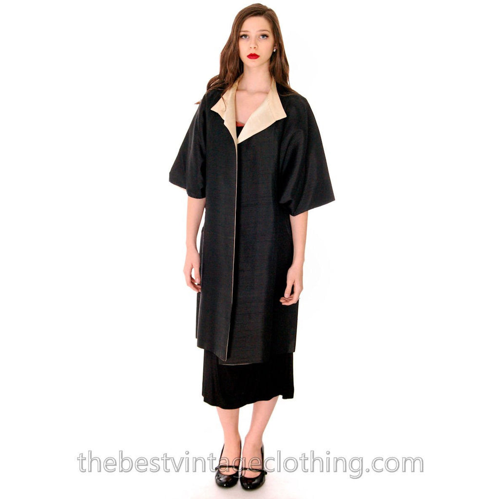 Stunning VTG 1950s Silk Shantung Cocoon Coat Reversible Black / Cream One Size up to S to L - The Best Vintage Clothing  - 1