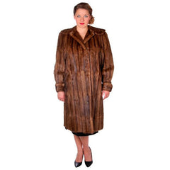 Vintage Swing Coat Muskrat Fur Extreme 1940s Big Shoulders Vogue Shop M - The Best Vintage Clothing  - 2