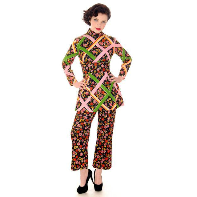 Vintage Pantsuit Polyester Balck & Bright Print 1970s S-M - The Best Vintage Clothing  - 1
