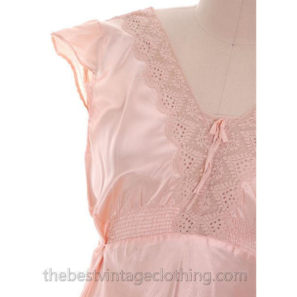 Lovely NOS Vintage 1930s Bias Cut Nightgown Peach Rayon Satin XL 17 Pretty Details - The Best Vintage Clothing  - 4