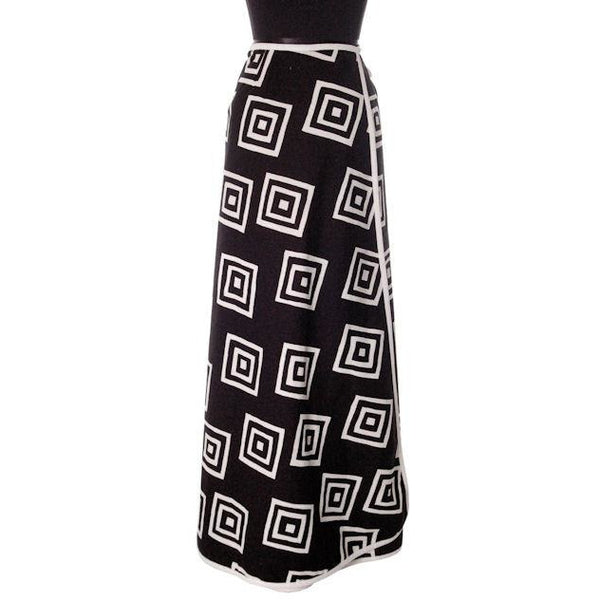 "Vintage Geometric Print Black & White Maxi Wrap Skirt D'Accord 30"" Waist 1970s - The Best Vintage Clothing  - 4"