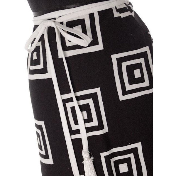 "Vintage Geometric Print Black & White Maxi Wrap Skirt D'Accord 30"" Waist 1970s - The Best Vintage Clothing  - 3"