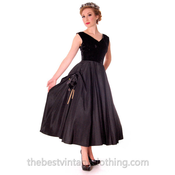 Black Velvet/Taffeta 1950s Party Gown Full Circle Vintage Dress w Rose 32-23-Free Small - The Best Vintage Clothing  - 3