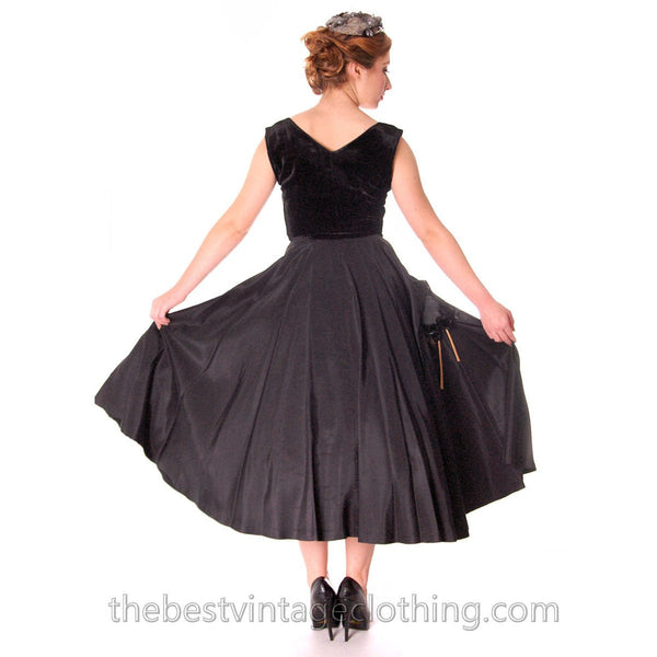 Black Velvet/Taffeta 1950s Party Gown Full Circle Vintage Dress w Rose 32-23-Free Small - The Best Vintage Clothing  - 4