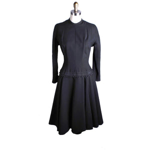 VTG Black 1940s Dress Corde Ball Hip Detail LBD Wool Flattering Womens S/M