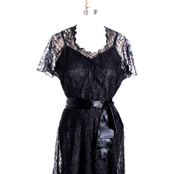 VTG 1940s Lace Gown Black Full Length M + Slip Wearable 40-32-44 - The Best Vintage Clothing  - 2